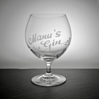 Cocktail und Gin Tonic Glas mit persönlicher Gravur