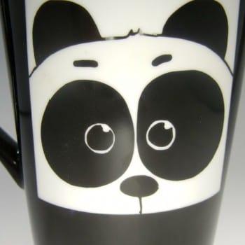 Porzellantasse mit Panda-Gravur