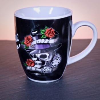 Kaffeetasse mit Gravur Tattoo-Style ed Hardy