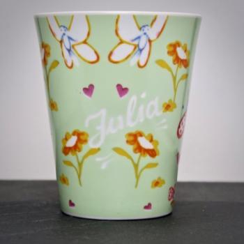 Tasse Schmetterlinge Hellgrün mit Namensgravur