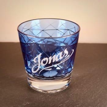 Blaues Whiskyglas mit Gravur personalisiert