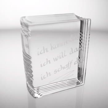 glasbriefbeschwerer in buchform inklusive gravur von namen oder kurzen texten und daten. Black Bedroom Furniture Sets. Home Design Ideas
