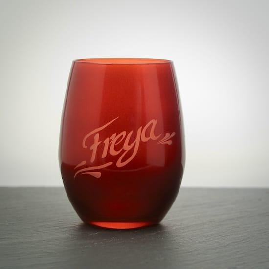 abgerundetes handliches trinkglas in rot mit namensgravur erh ltlich. Black Bedroom Furniture Sets. Home Design Ideas