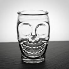 """Trinkglas """"Skull"""" 430 ml mit Gravur"""